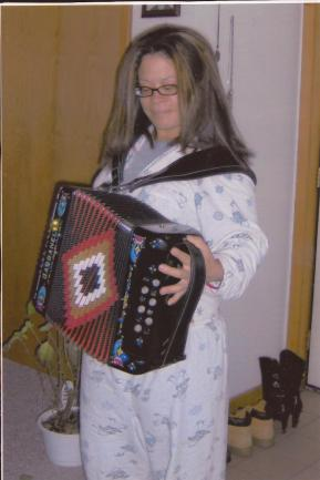Disclaimer: I do NOT know how to play the accordion.