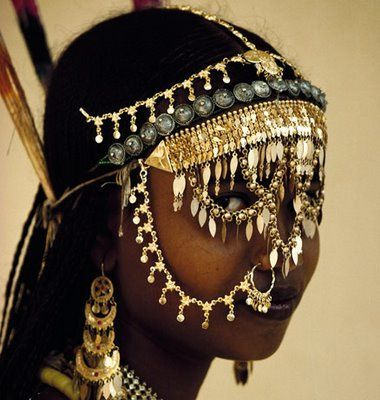 Traditional headdress: Pinterest